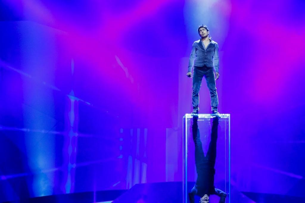 http://img99.xooimage.com/files/6/f/b/eurovision-azeri-3e949f0.jpg