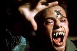 Vampire, vous avez dit vampire ? I et II ou, titres Original : Fright Night E-et-cie-vampire-...985-05-g-40254e1